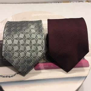 SOLD OUT❤️❤️Bundle of TWO Hart Schaffer Marx Ties